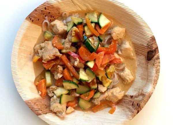 Rijstnoedels met kokosmelk en kip - Karlijnskitchen.com
