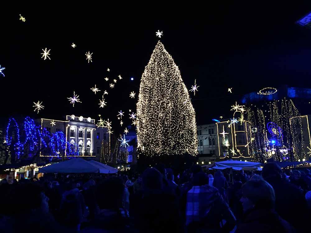 Ljubljana Christmas Market - Karlijnskitchen.com