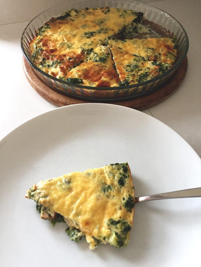 Crustless quiche with smoked chicken and spinach - Karlijnskitchen.com