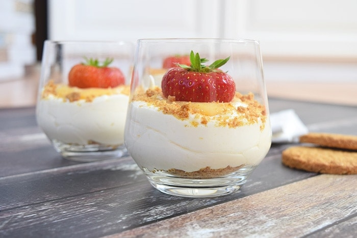 Lemon mousse with lemon curd - Karlijnskitchen.com