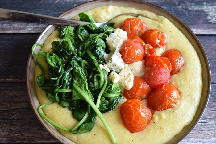 Polenta met spinazie en blauwe kaas - Karlijnskitchen.com