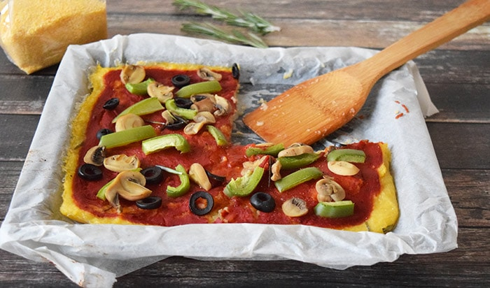vegan polenta pizza - karlijnskitchen.com