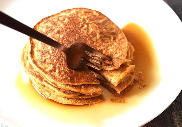 pumpkin pancakes - karlijnskitchen.com