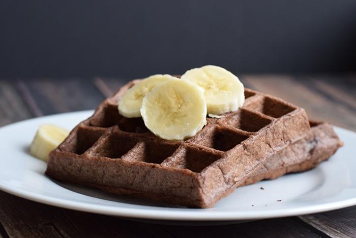 chocolate peanut butter waffles - karlijnskitchen.com