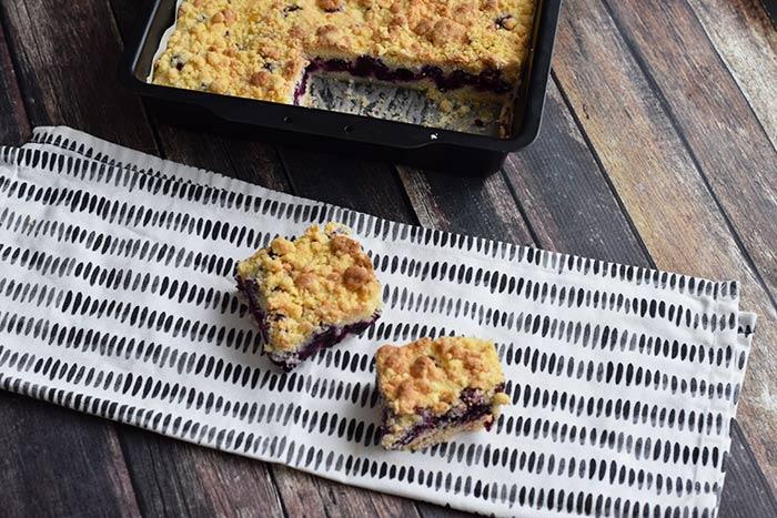 blauwe bessen crumble bars - karlijnskitchen.com