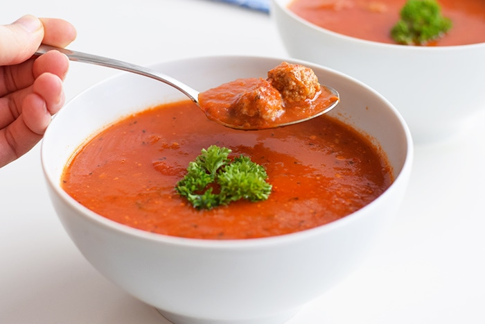 low fodmap tomatensoep met balletjes - karlijnskitchen.com