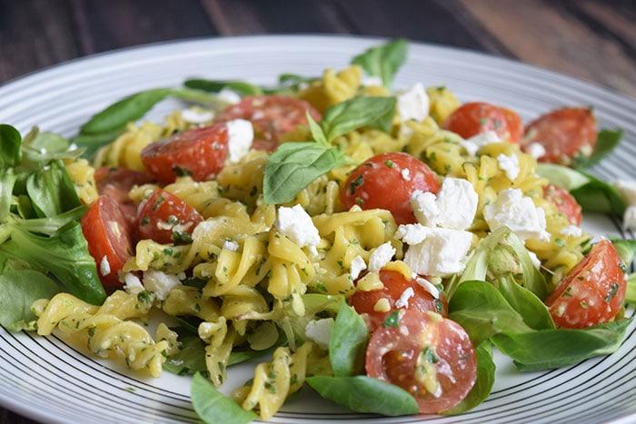 pasta pesto salad - karlijnskitchen.com