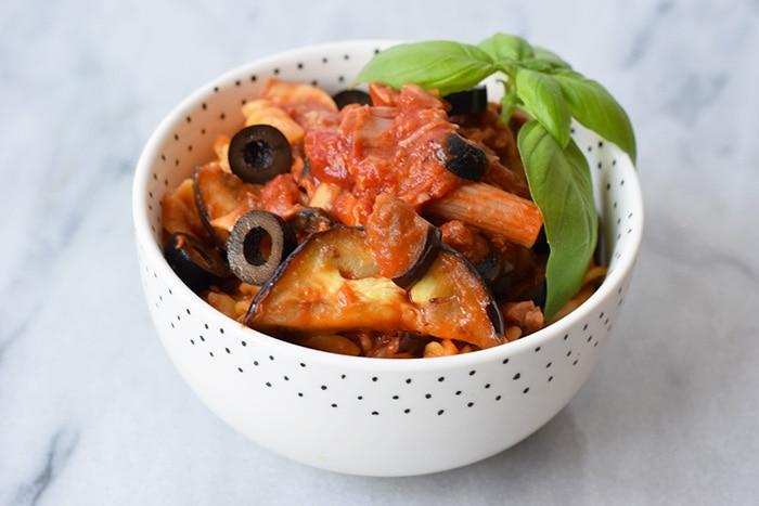 pasta with tuna, grilled eggplant and black olives - karlijnskitchen.com