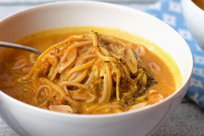 thaise pompoen noedelsoep - karlijnskitchen.com